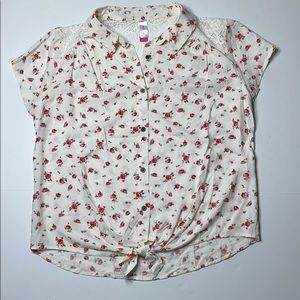 No Boundaries Floral Tied Crocheted Lace Top L